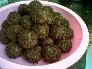 Resep Kue Kering Coklat Bola-Bola - info resep kue kering